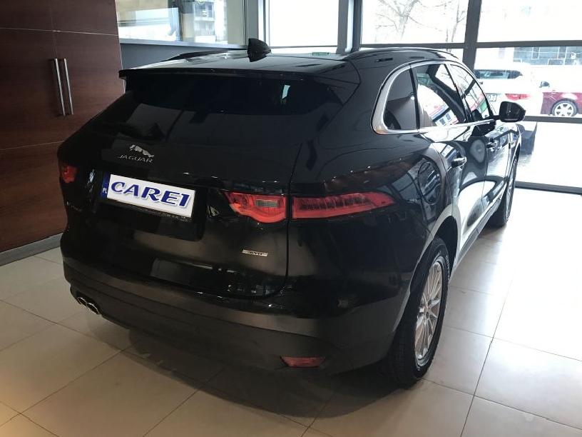 Jaguar_F-Pace_B213