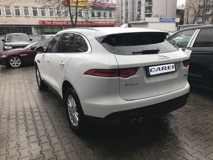 Jaguar_F-Pace_W204
